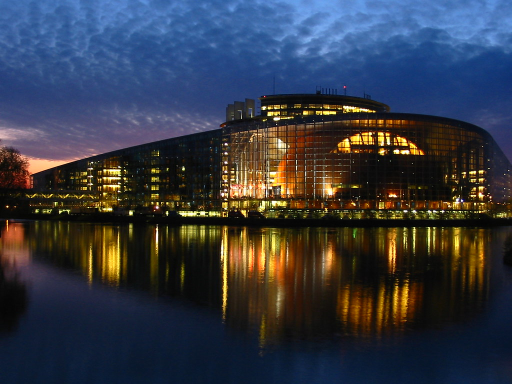 Terrasse Mobile European Parliament Strasbourg | The Same Pic As On