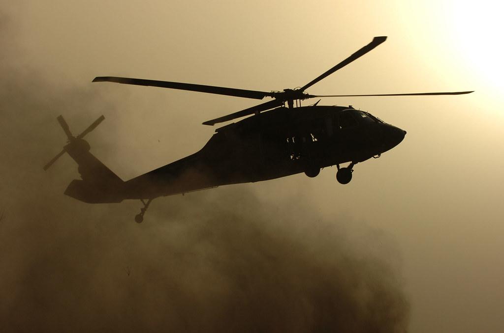 Army 3d Wallpaper Iraq A Uh 60 Blackhawk From 2nd Battalion 25th Aviation