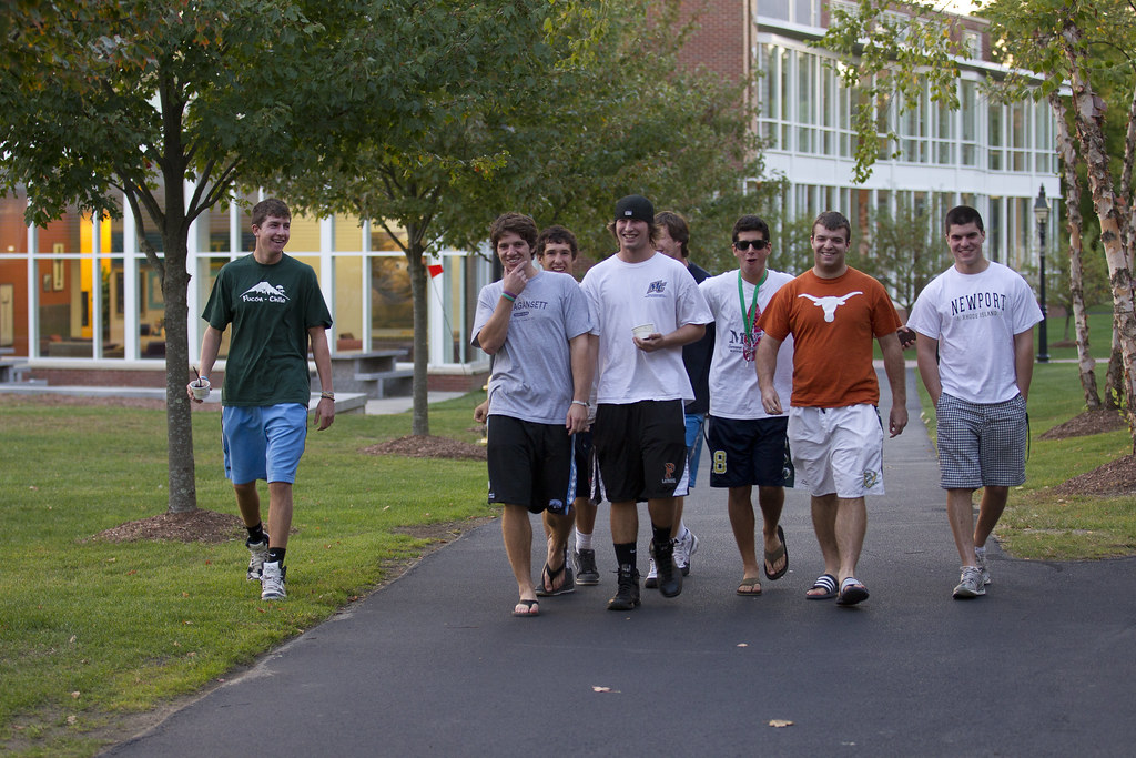 B B 2 Merrimack College | Merrimack College Moving In Day