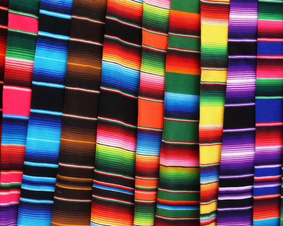 Free Hd 3d Wallpaper Zarapes De Colores Son Los Zarapes Tomada En Chichen