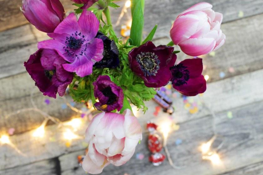 Blumen mit Lichterketter
