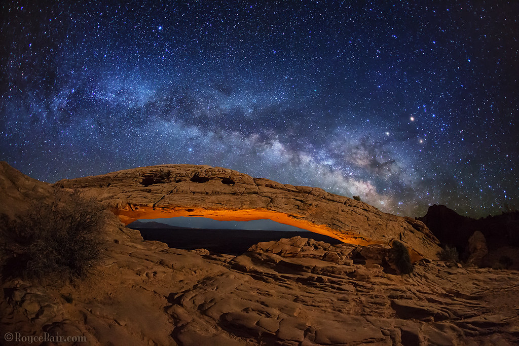 Free Fall Hd Wallpapers Milky Way Over Mesa Arch Here S A Light Painted Mesa