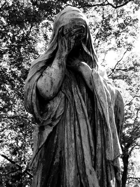 Wallpaper Tattoo 3d Statue At Pere Lachaise Graveyard In Paris Shadowgate