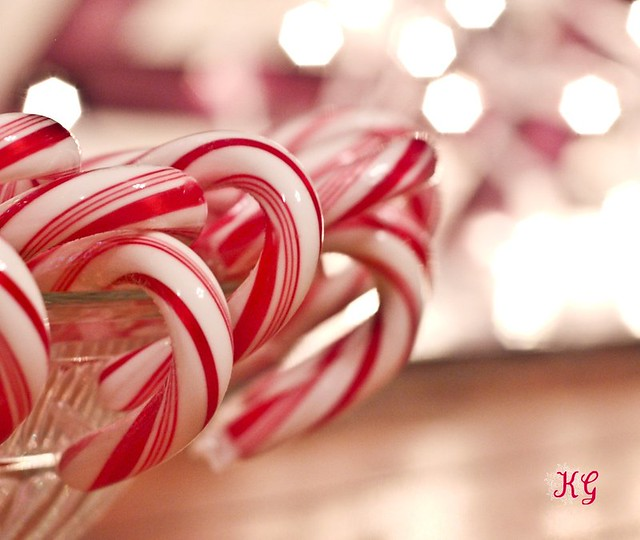 Cute Marshmallow Wallpaper Hd The Real Beauty Of The Candy Cane View On Black The