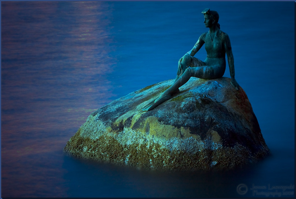 Girl Couple Wallpaper Mermaid Of Stanley Park Mermaid Of Stanley Park Aka