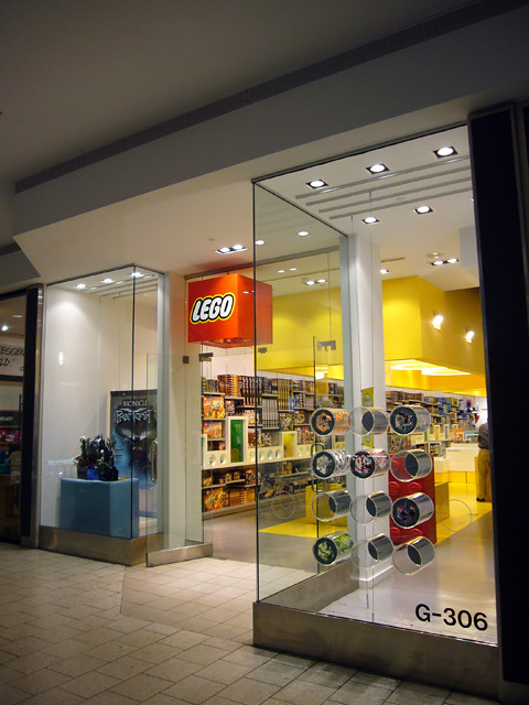 2 7 Chicago - Lego Store @ Woodfield Mall | Marz K | Flickr