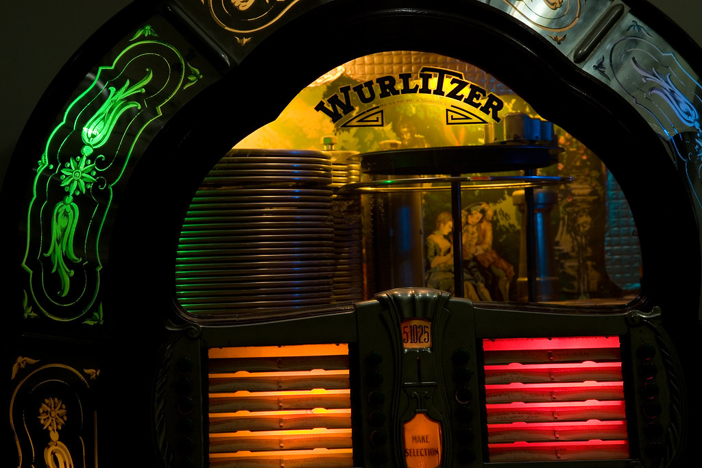 Create Animated Wallpaper Jukebox 1947 Wurlitzer Model 1080 Close Up A Bit