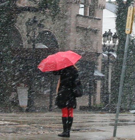 World Beautiful Girl Wallpaper Nola Streetcar Snow Girl With Red Umbrella Waits For The