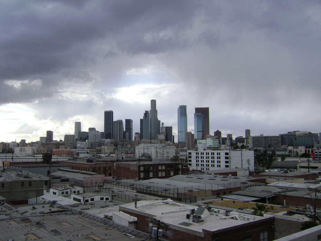 3d Roof Wallpaper Los Angeles Skyline In The Rain From The Barker Block