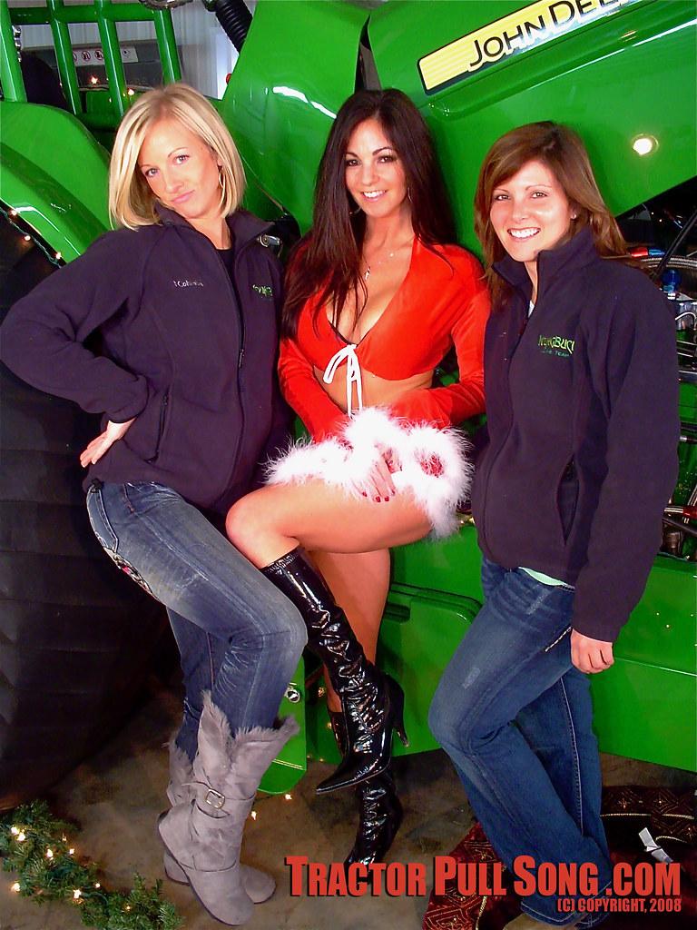 Farm Girl Wallpaper Tractor Pull Song Girls Young Buck Dsc02722 Christmas