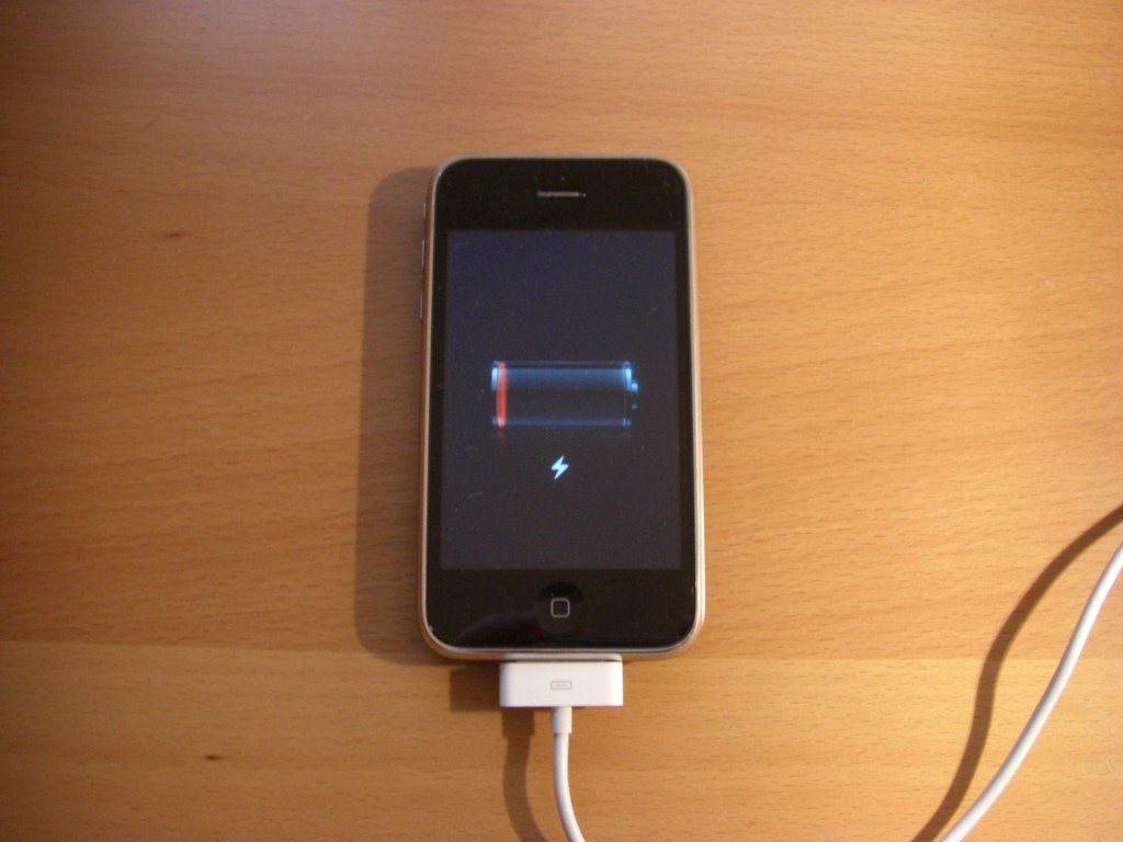 Battery Symbol Iphone Iphone 3g Won 39t Charge Anymore Iphone 3g Won 39t Charge