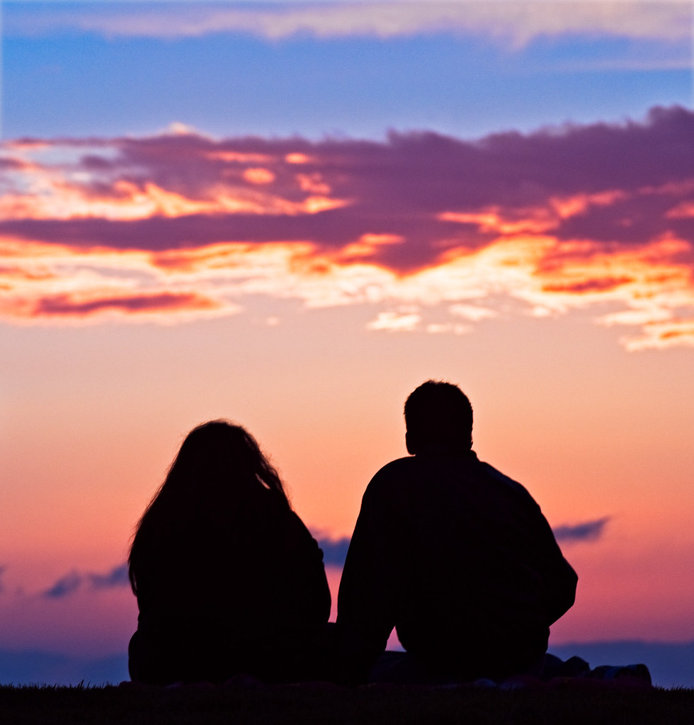 Boy And Girl Hugging Wallpaper Couple Watching Sunset In Venice A Couple Watches The