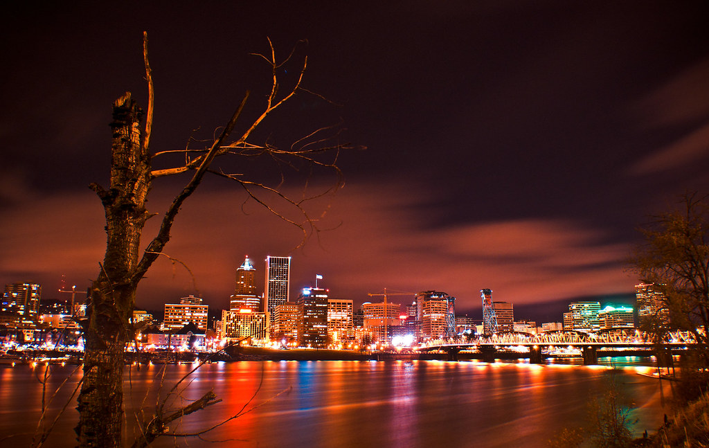Portland Oregon Fall Had Wallpaper A Night View Of The Portland Oregon Skyline From The
