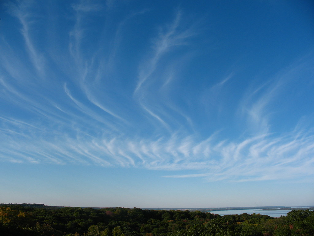 3d River Wallpaper Cirrus Clouds Horsetails Over The Illinois River View Nor