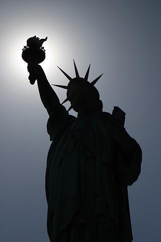 1080p Girl Wallpaper Quot Statue Of Liberty Quot Silhouette Iphone Wallpaper 320x480