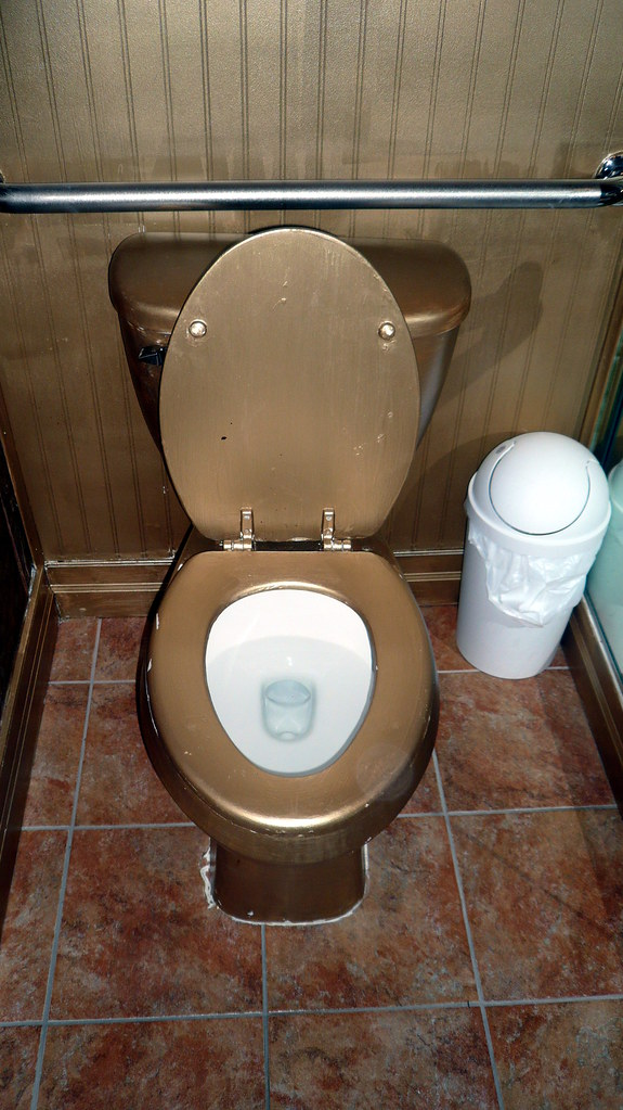 Free House Picture Gold Toilet, The White House, Anaheim, California.jpg | Flickr