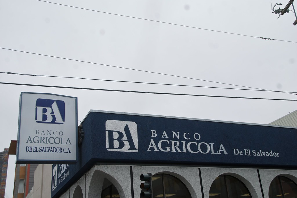 De 24 Banco Agricola De El Salvador On Mission St In San Francis