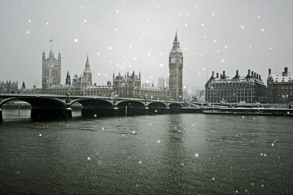Pc Fall Wallpaper Snow Fall In London February 2009 A Winter Thames Flickr