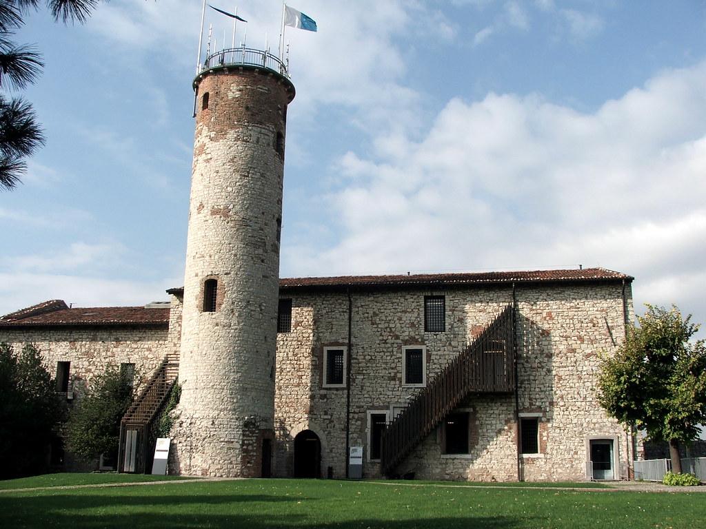 Dj 3d Wallpaper La Torre Mirabella Del Castello Di Brescia La Parte Pi 249