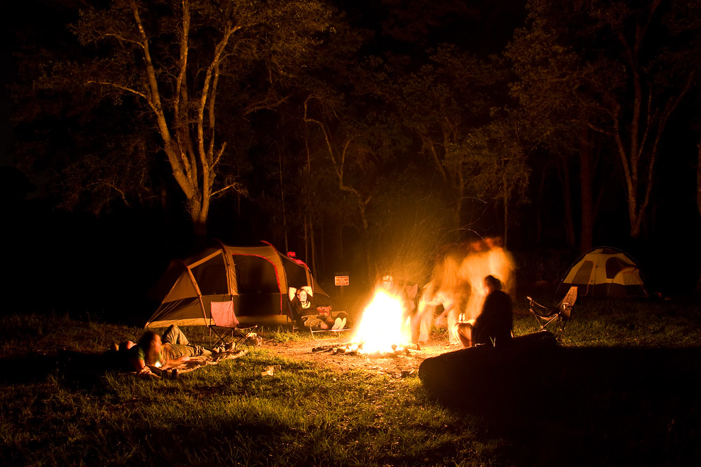 Boy And Girl Hugging Wallpaper Campfire Campfire Lights Up Surrounding Site 25 Second