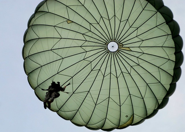 Free 3d Hd Wallpapers For Mobile Paratrooper Jump Paratrooper With A T10d Parachute From
