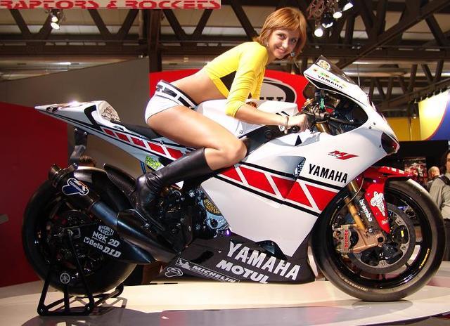 3d Yamaha Motorcycle Wallpaper Yamaha Show Girl Tobass Flickr