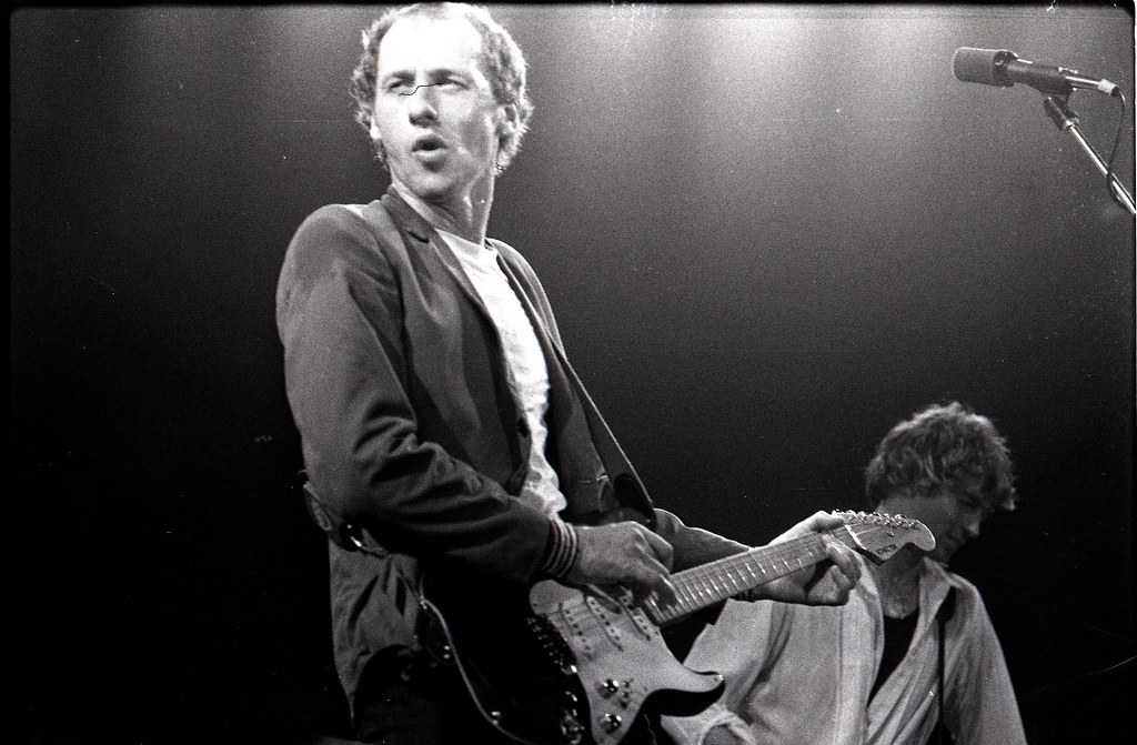 3d Money Wallpaper Mark Knopfler Of Dire Straits With Hal Lindes Amsterdam 1