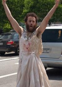 Crazy Man in Wedding Dress | This man in a dirty wedding ...
