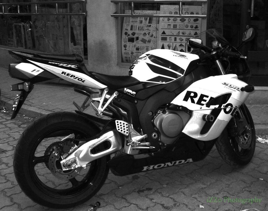 Custom Wallpaper 3d Honda Cbr 1000rr Black Amp White This Is Super Bike Is