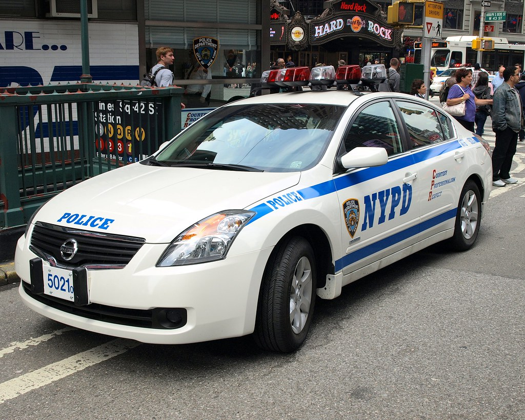 Dubai Police Car Wallpapers Pmsc Nypd Nissan Altima Hybrid Police Car Times Square N