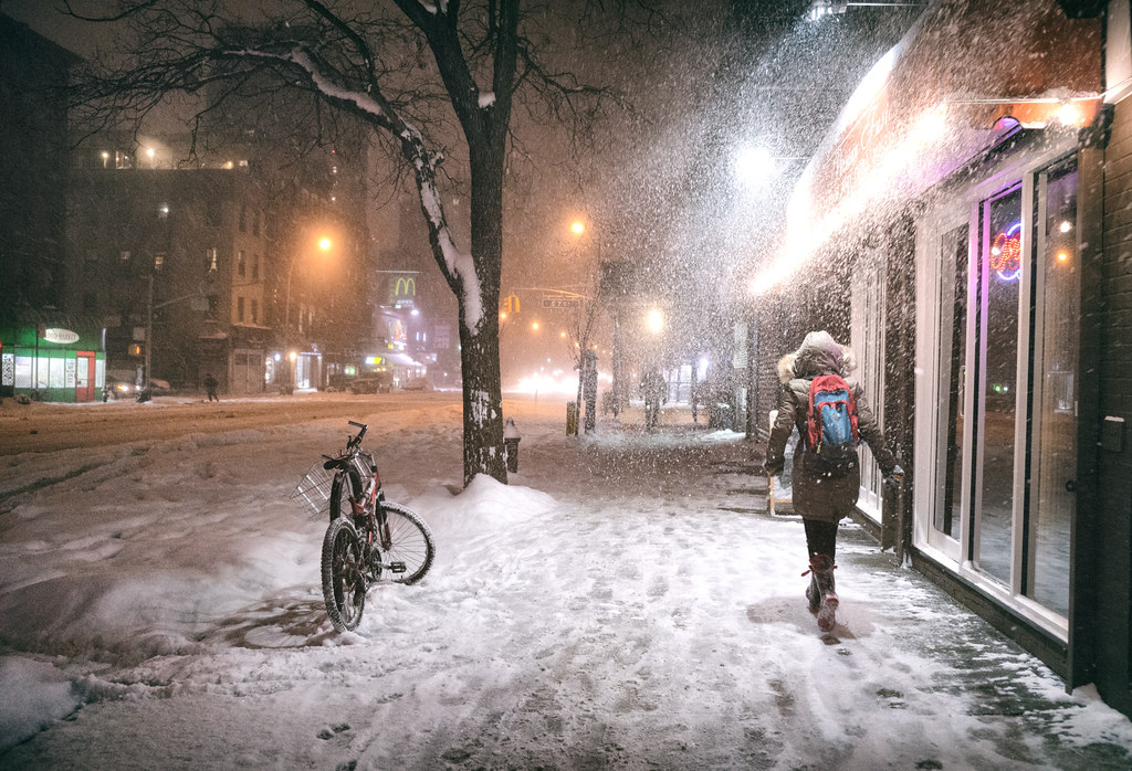 Free 3d Snow Falling Wallpaper New York City Snow Janus East Village At Night Flickr