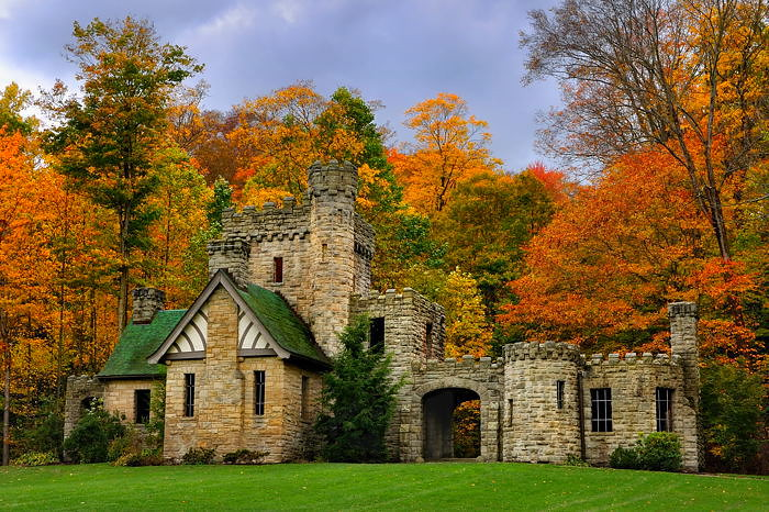 Gothic Fall Wallpaper Squires Castle Squire S Castle Is Located In The North