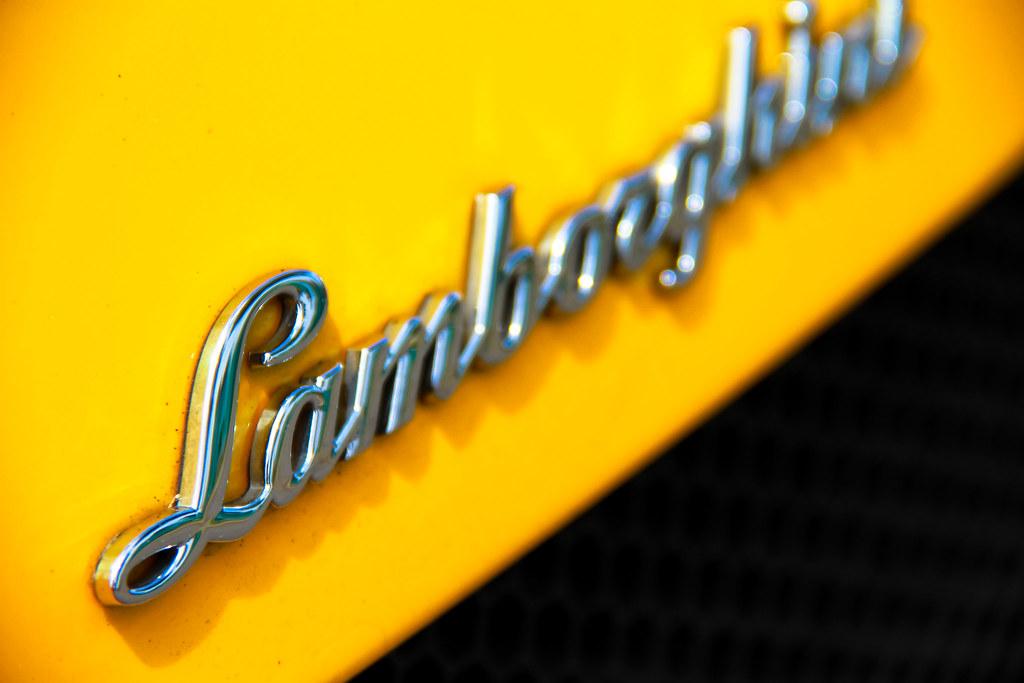Car Wallpaper In 3d Lamborghini Logo Yellow Lamborghini Gallardo Logo