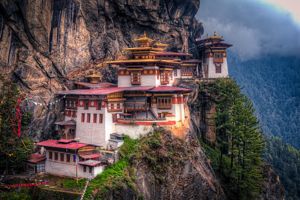 Www 3d Hd Live Wallpaper Com The Tiger S Nest Monastery The Highlight Of Any Trip To
