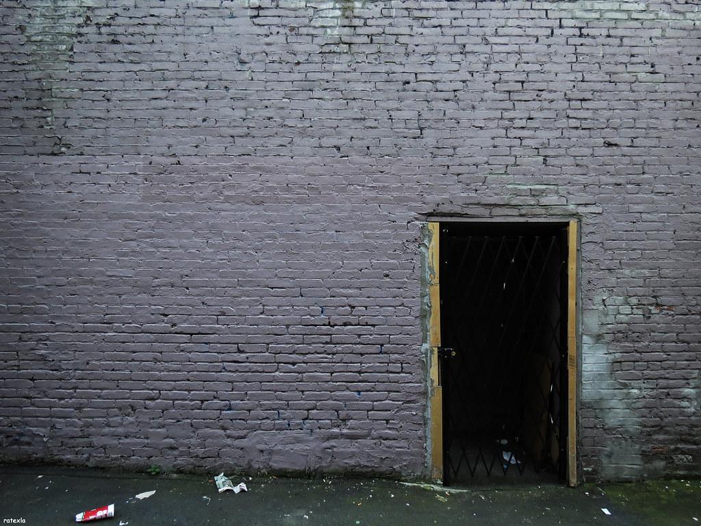 Grey Brick Wallpaper 3d 20130702 15 Grey Purple Brick Wall In Trashy Alley Vanco