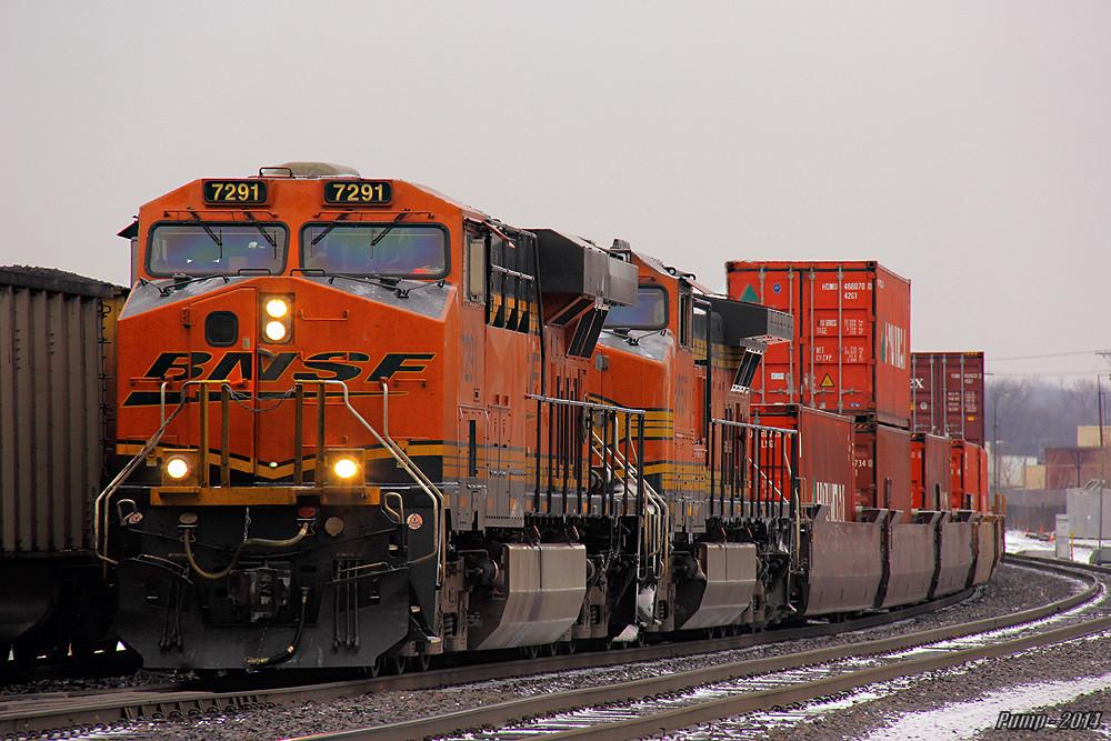 Eastbound Bnsf Intermodal Train At Kansas City Mo Flickr
