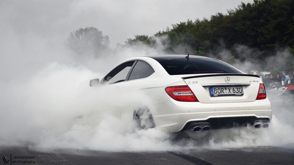 3d Gif Wallpaper For Mobile C63 Amg Doing An Epic Burnout Last Sunday I Went To The