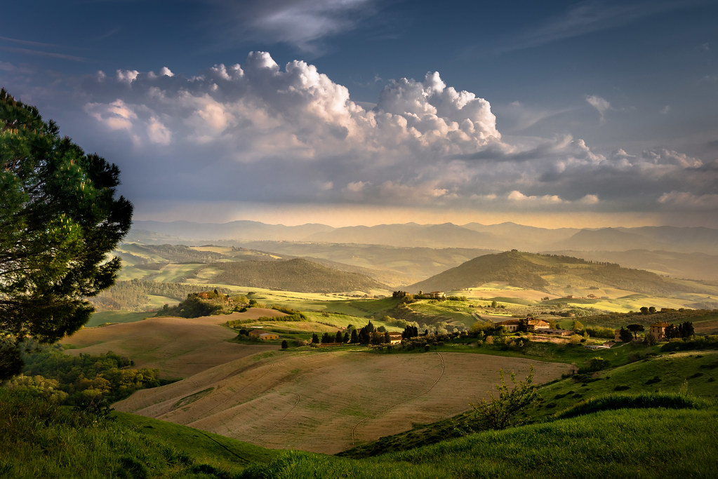 Foggy Fall Wallpaper Tuscan Landscape Near Volterra In Late Afternoon Bernd