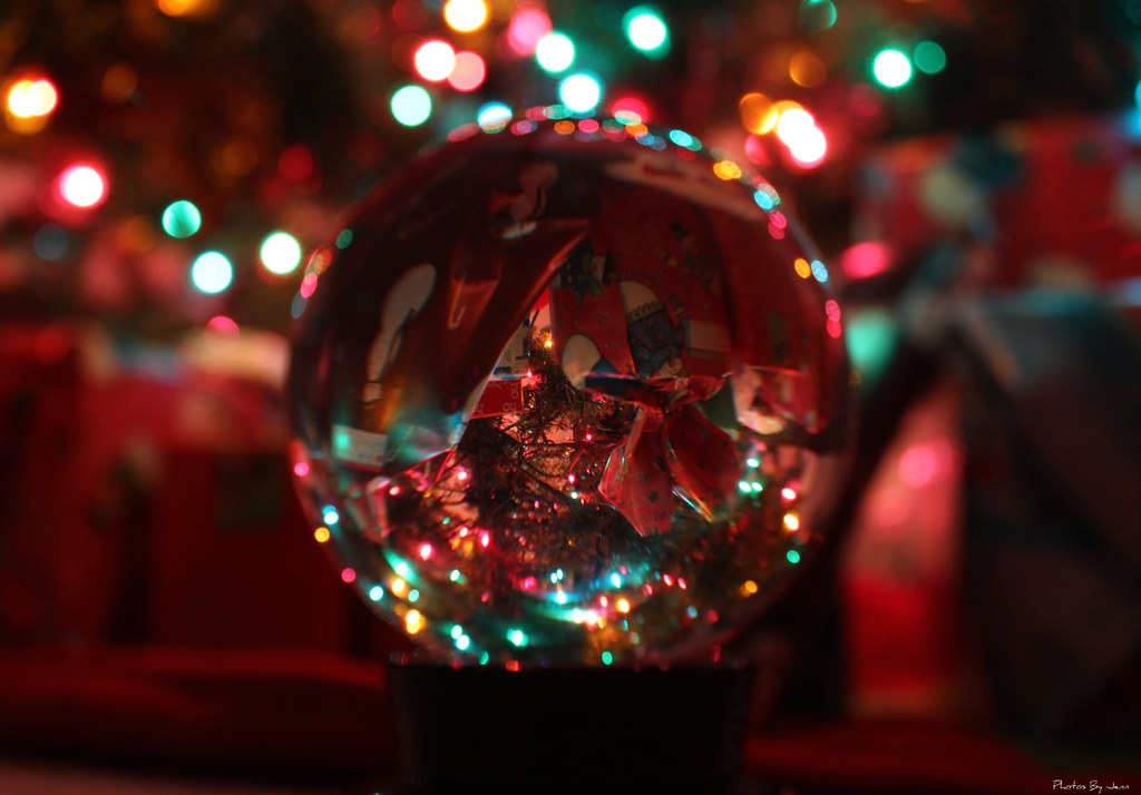 Free 3d Christmas Desktop Wallpaper Crystal Ball Christmas Another Shot With My Crystal Ball