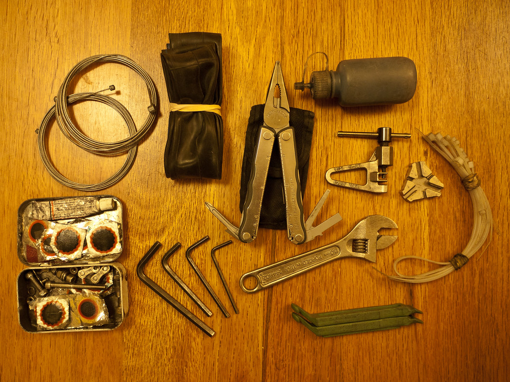 Engelse Inbussleutels Basic Bicycle Repair Tool Kit These Are The Bits I Carry