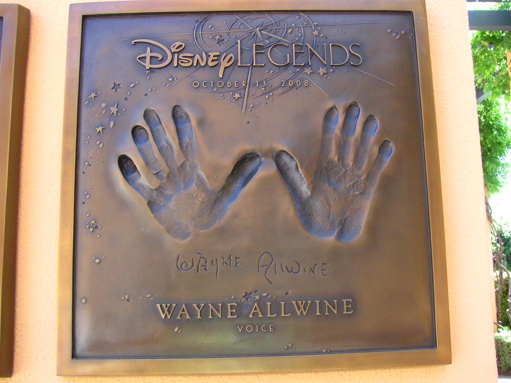 Mickey Mouse 3d Wallpaper Wayne Allwine Disney Legend At The Disney Legends Plaza