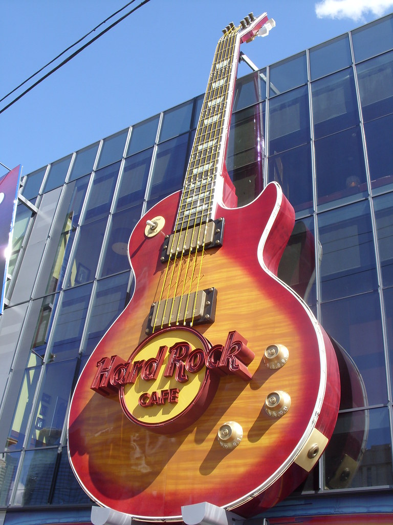 3d Guitar Wallpaper Close Up Of Giant Gibson Les Paul Guitar On The Hard Rock