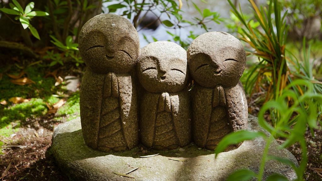 Cute Japanese Iphone Wallpaper Cute Nagomi Jizo Statues In Hase Dera Kamakura Japan