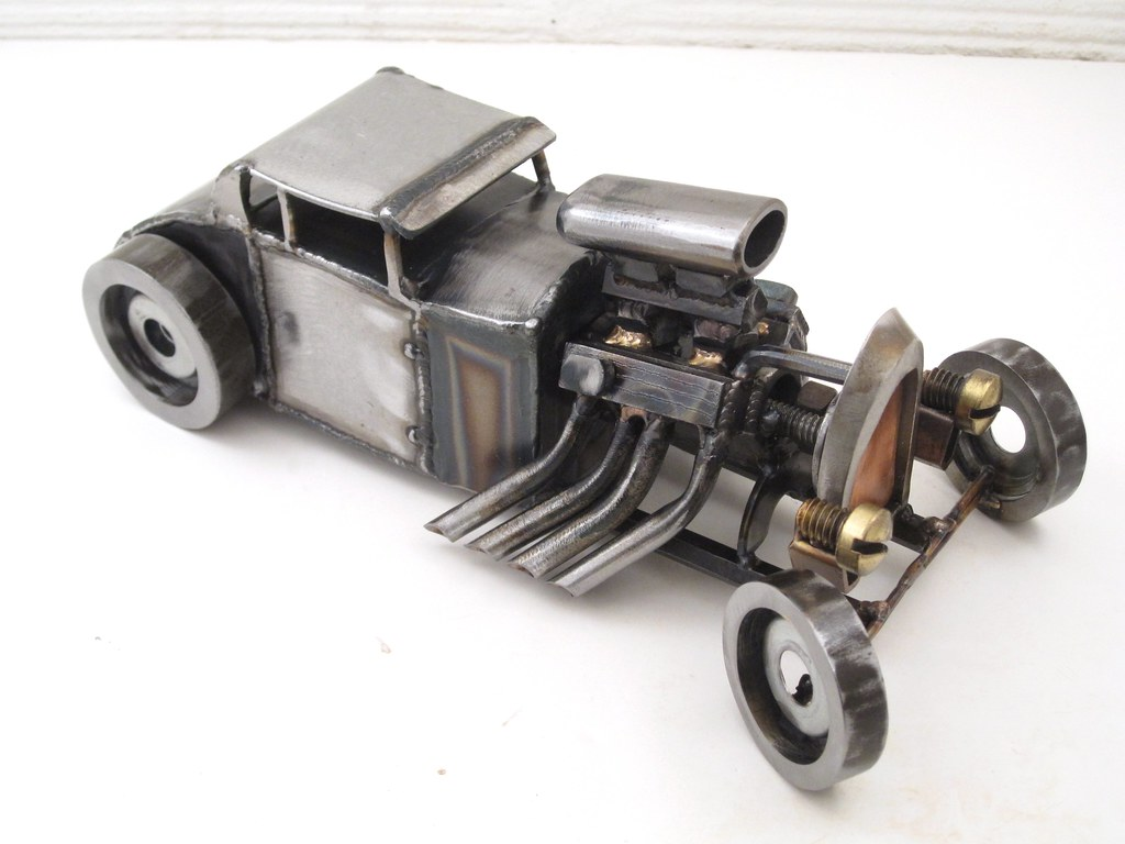 Engelse Inbussleutels Metal Hot Rod Sculpture 5 Window Ford Coupe Brass