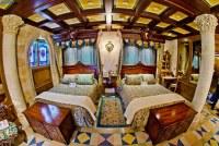 Disney's Cinderella Castle Royal Suite Bedroom | Walt ...