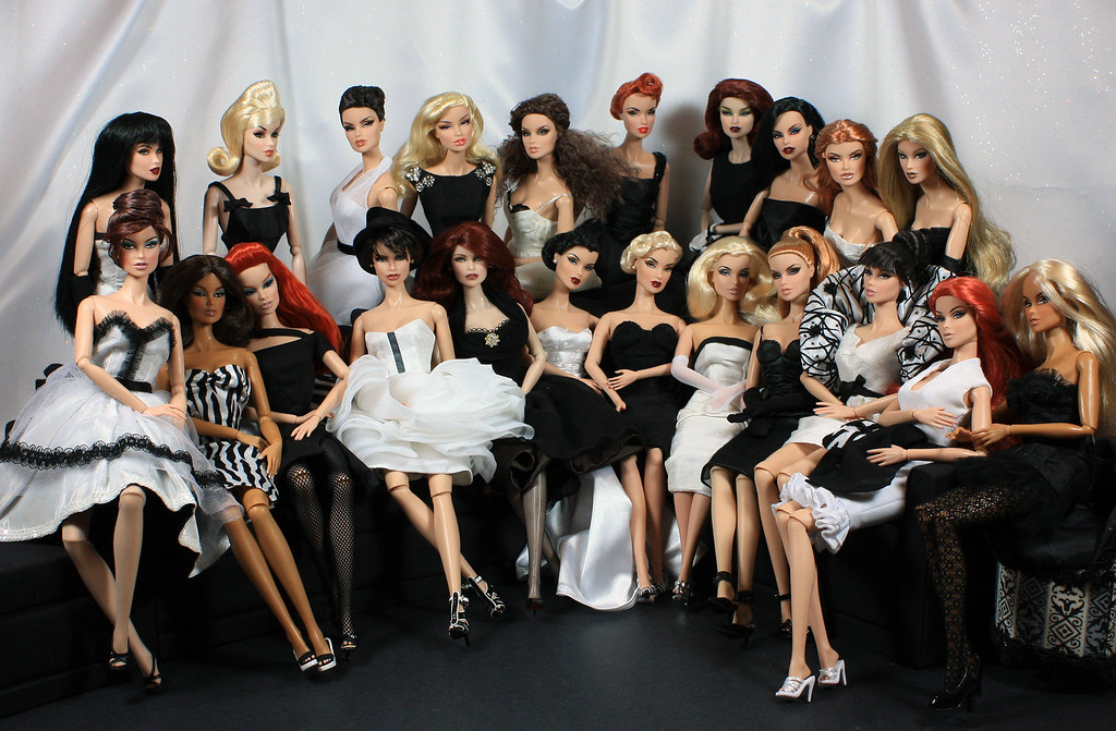 Barbie Doll 3d Wallpaper Fashion Royalty Vanessa Perrin A Study In Black And