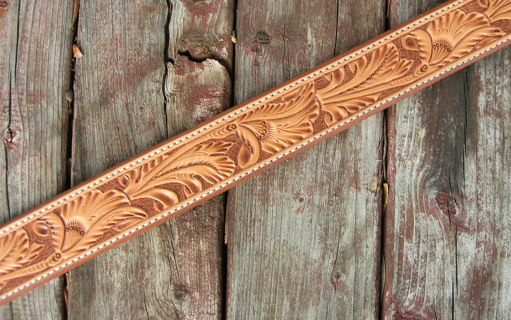 Leather White Gibson Floral Carved Leather Belt Vintage Pattern | 1.5