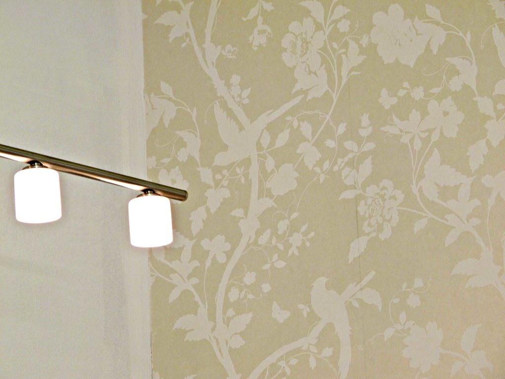 3d Wallpaper Free Wallpaper Lights White Walls And Wallpaper In Laura Ashley Oriental