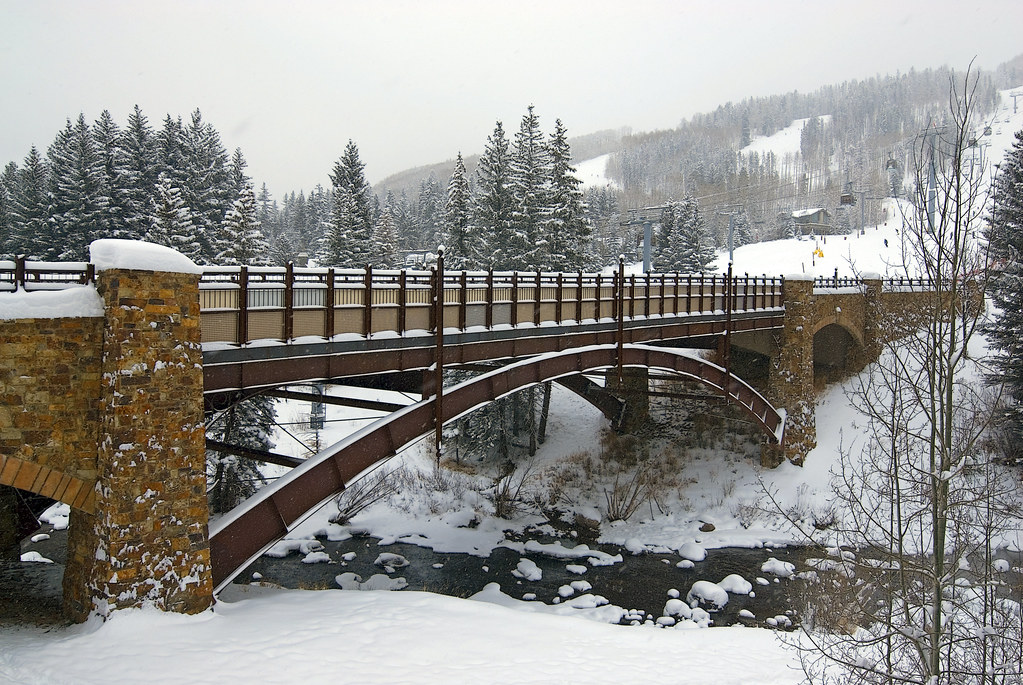 Free Falling Snow Wallpaper Snowy Christmas In Vail Lots Of Snow Falling In Vail