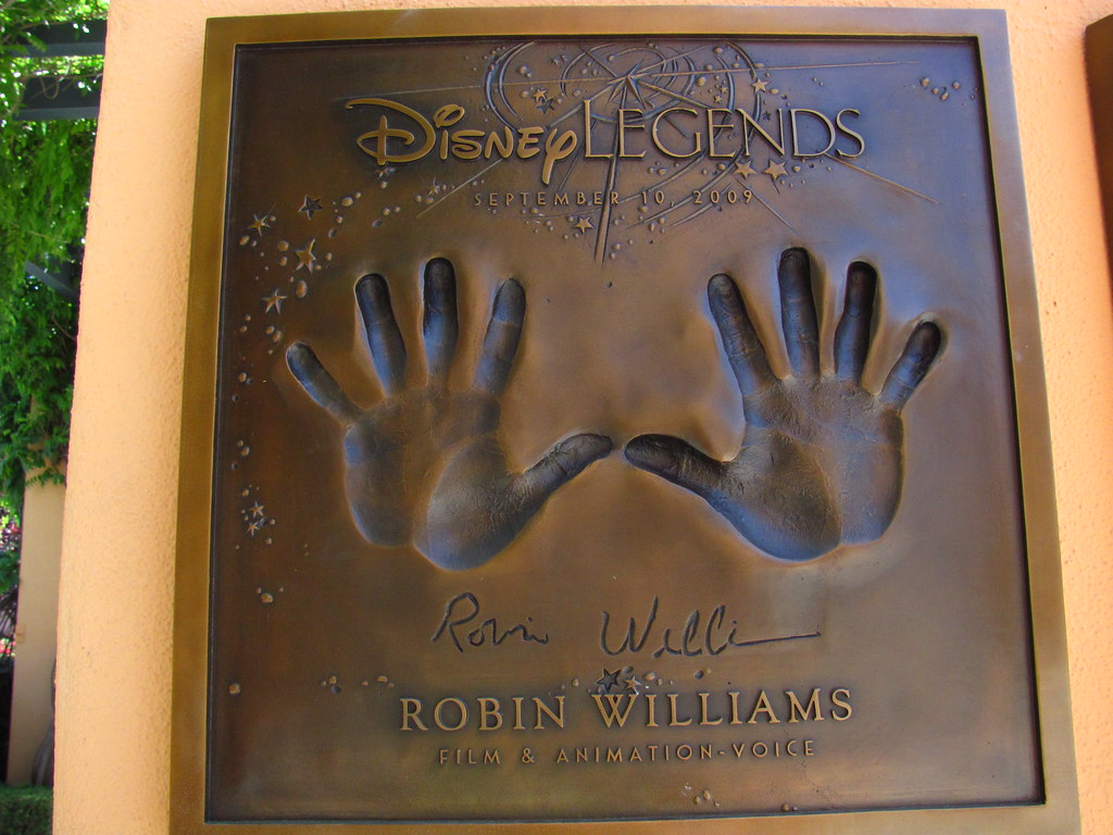 Animation Movie Wallpaper Robin Williams Disney Legend At The Disney Legends Plaza